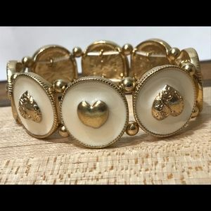 Jewelry - Western gold hearts white stretch bracelet new